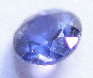 English: 0.19 carat blue Yogo sapphire from Yo...