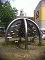 Post Skulptur Brunnen Spandau 1.jpg