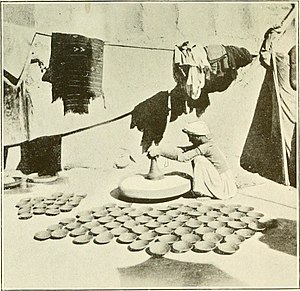 Kumhar - Image: Potter Kumhar caste British India 1907
