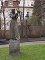 Praha, Malá Strana, Klárov, Dívka s holubicí 01.jpg