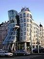 Praha Dancing House from N DSCN1185.JPG
