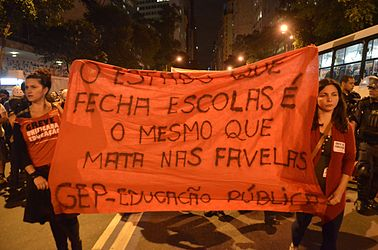 Protest anti-Cup in Rio 08.jpg