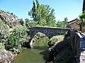 Puente de Valdepiélago sobre el río Curueño. León (2).jpg