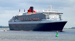 Queen Mary 2 at Stadersand, 13 May 2012 - 2.jpg