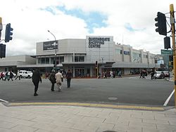Queensgate Shopping Centre western entrance, December 2016.jpg