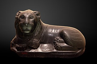 Reclining lion-AO 4950