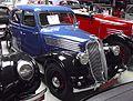 Renault Celtaquatre (Type ADC 1) Limousine 1936 schräg 1.JPG