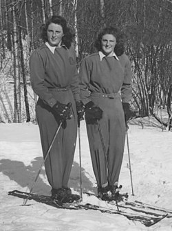 Rhoda and Rhona Wurtele 1945.jpg