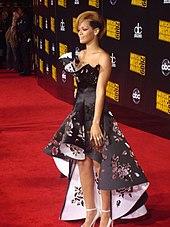 170px Rihanna AMA 2009 Red carpet Rihanna Hayatı Biyografisi rihannanın yaşamı Rihannanın hayatı Rihannanın etkilendiği kişiler Rihanna Turneleri Rihanna ödülleri rihanna neler yaptı rihanna nasıl ünlü oldu Rihanna kimdir Rihanna kariyeri Rihanna ilk yılları rihanna hayat hikayesi rihanna diskografi Rihanna diğer girişimleri rihanna biografisi Rihanna  rihanna biyografi