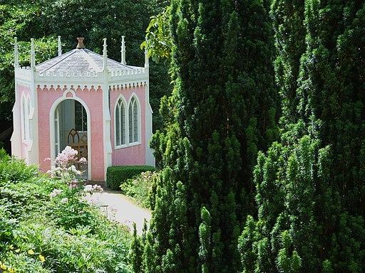 Rococo Gardens Painswick - geograph.org.uk - 1743672