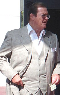 Roger Moore 2007 retouched.jpg