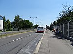 Ruzyně, K letišti, zastávka Terminál 3, MHD směr centrum.jpg
