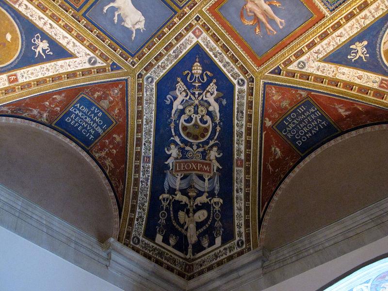 Sala dei Pontefici, volta con grottesche di lorenzo sabatini 01.JPG