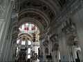 Salzburgo. Catedral. Nave hacia el altar mayor.JPG