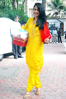 Sameera Reddy at Shilpa Shetty's baby shower ceremony (3).jpg