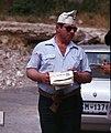 San Marino-Giro d'Italia-134-Mann mit Zeitungsmuetze-1979-gje.jpg