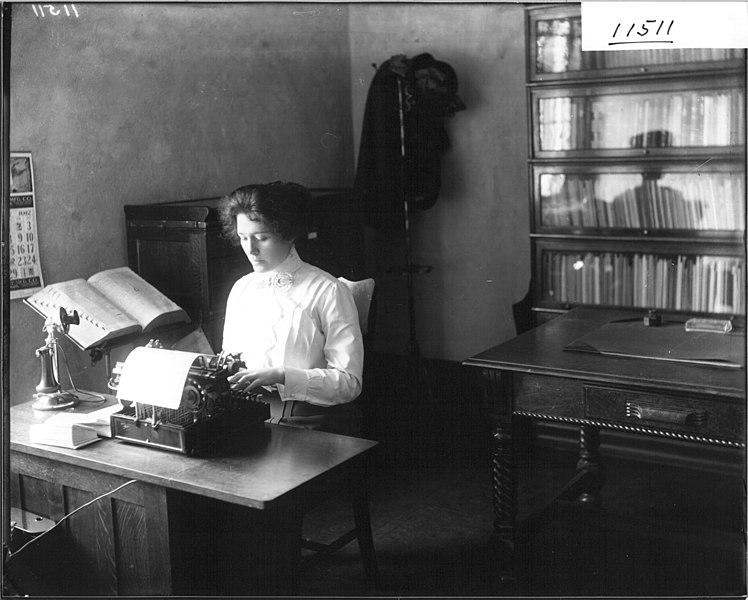 File:Secretary at typewriter 1912 (3192197470).jpg