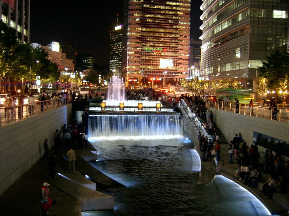 Seoul Cheonggyecheon night