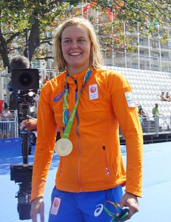 Sharon Van Rouwendaal - the cool, beautiful, talented,  swimmer  with Dutch roots in 2017