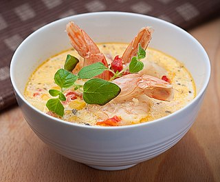 Chowder seafood or vegetable stew, often served with milk or cream and mostly eaten with saltine crackers