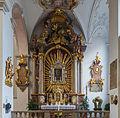 Side altar Peterskirche Munich.jpg