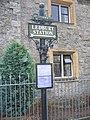 Signpost to Ledbury Station - geograph.org.uk - 600697.jpg