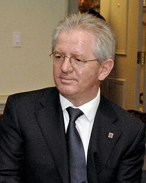 Skënder Hyseni - Image: Skender Hyseni at the Pentagon 2008