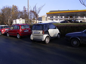 Smart Fortwo - An example of compact parking