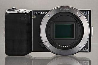 Sony E-mount - Sony NEX-5 E-mount