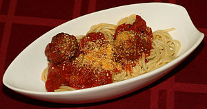 Spaghetti and meatballs (cropped).jpg
