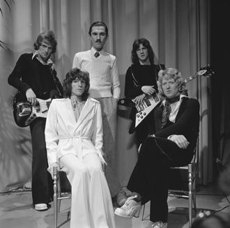 "Norman ""Dinky"" Diamond - Sparks in 1974, l-r: Ian Hampton, Russell Mael, Ron Mael, Adrian Fisher and Diamond."