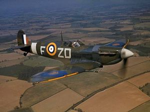 Spitfire VB 222 Sqn RAF in flight 1942.jpg