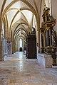St. Blasius Regensburg Albertus-Magnus-Platz 1 D-3-62-000-24 43 Nördliches Seitenschiff Blick nach Westen.jpg