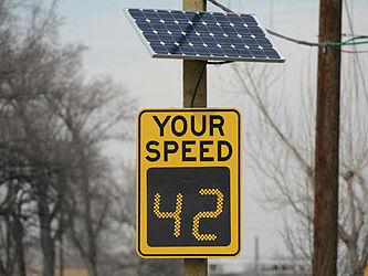 Radar speed sign - Wikipedia