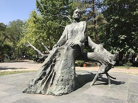 Statue de Komitas à Erevan.JPG