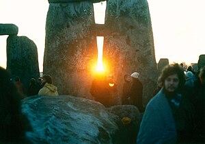 Winter solstice - Image: Stonehenge Sunrise 1980s