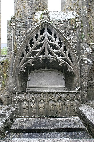 Strade - Image: Strade Friary Sculptured Tomb 2007 08 14