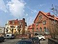 Street of fancy houses (44660015795).jpg