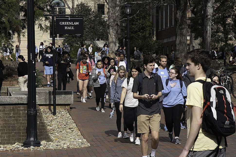 Students walking through UNC campus