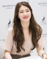 Suzy at a fan meeting for Bean Pole, 15 July 2014 01.PNG