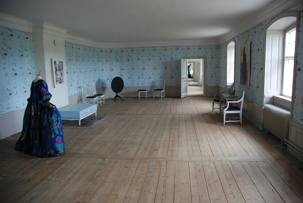 Svartsjö slott rumsfil sydvästen trappa upp.jpg