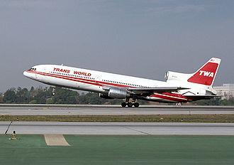 TWA Flight 843 - Image: TWA Tri Star Quackenbush 1