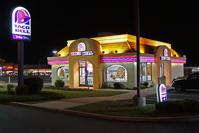 Taco Bell Employee in Alabama Fired for Not Serving Police