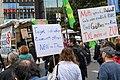 Teilnehmer der Demonstration für die Schließung Tegels (49065418477).jpg