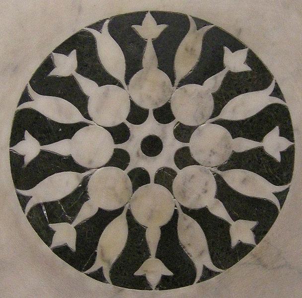 File:Tempietto, formelle 11.JPG