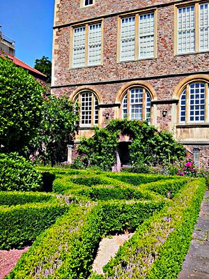 Red Lodge Museum, Bristol - The Red Lodge Museum has an Elizabethan Knot Garden