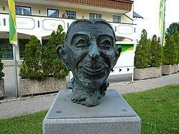 Theo Lingen bust Schwarzensee total close.JPG