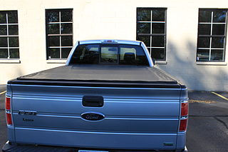Tonneau Open automotive bed