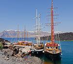 Tour boats - Nea Kameni volcanic island - Santorini - Greece - 01.jpg