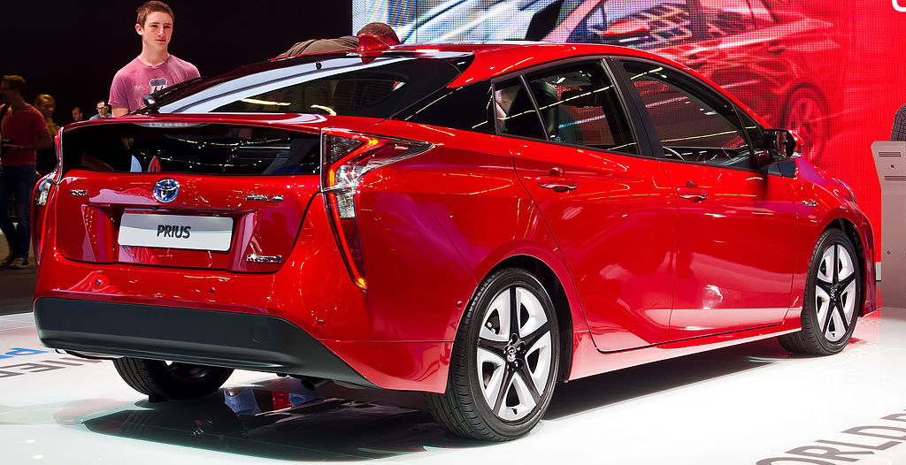 Build Your Own Toyota >> File:Toyota Prius (IV) – Heckansicht, 19. September 2015 ...